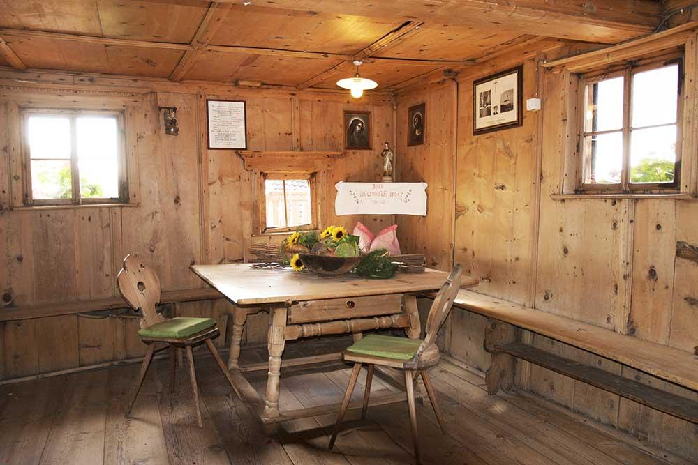 wohnideen bauernhaus wohnideen bauernhaus traum wohnzimmer alten bauernhof urech. Black Bedroom Furniture Sets. Home Design Ideas